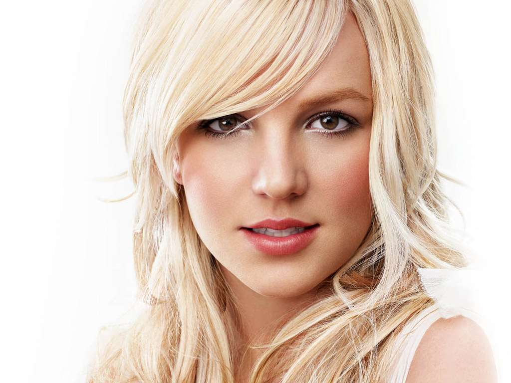 beautiful-britney-spears-wallpaper-1024-768