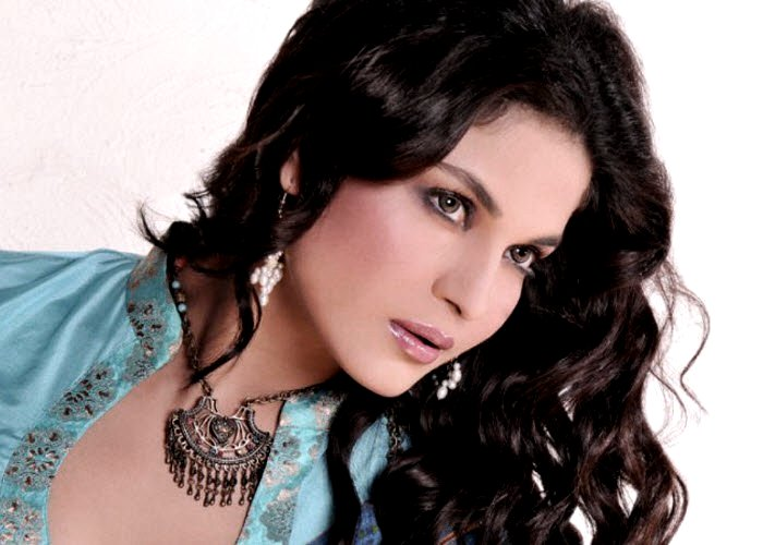 Veena_Malik_new_photoshoot