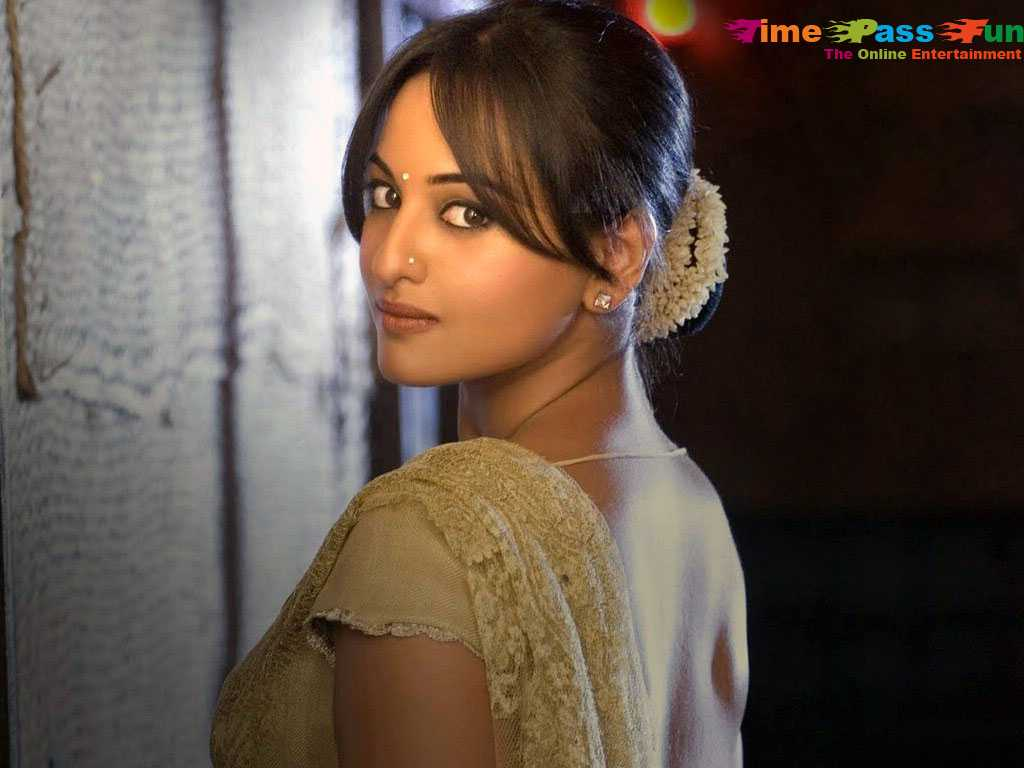 sonakshi-sinha-wallpapers-hot