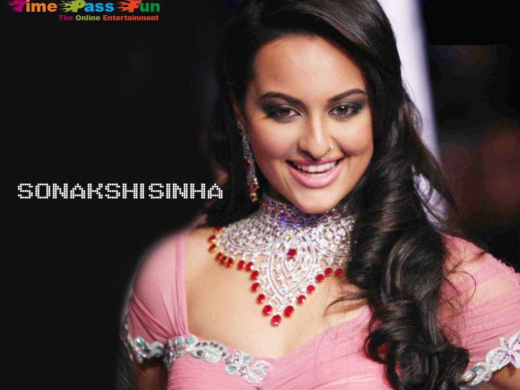 sonakshi-sinha-wallpapers-sexy-hot
