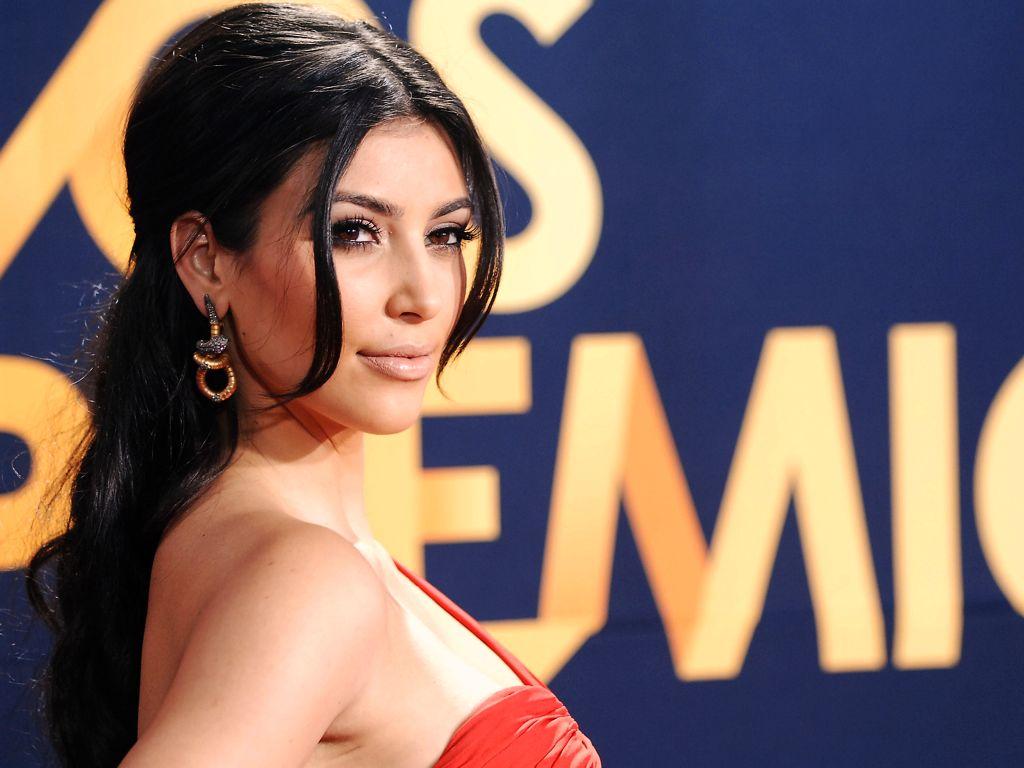 kim-kardashian-hot-image-2
