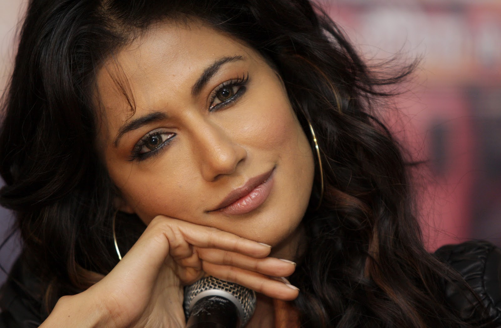 Chitrangada Singh In Gabbar Is Back Wallpapers: 17 Best Chitrangada Singh Wallpapers